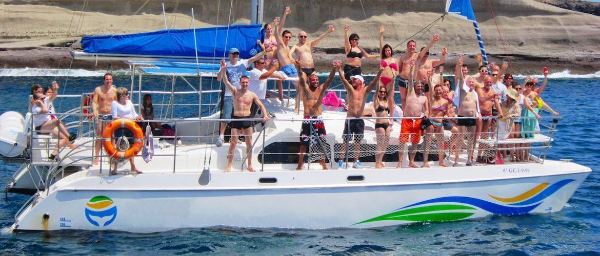 Tenerife boat party, the best boat excursions in the south of Tenerife with Musibodas: groups, families, corporate events and stag parties